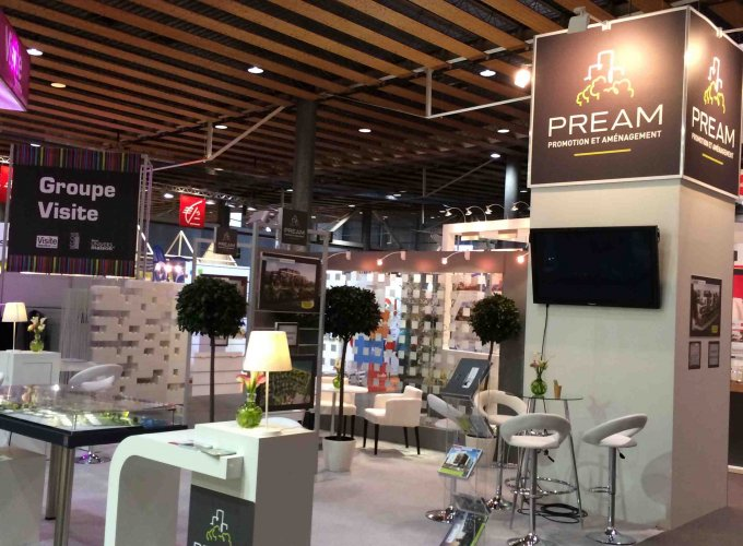 Conception r alisation et cr ation 3d d 39 un stand pour un salon immobilier b ori for Conception salon 3d