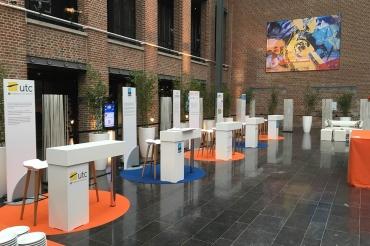 Création d'une installation générale avec plusieurs espaces d'exposition